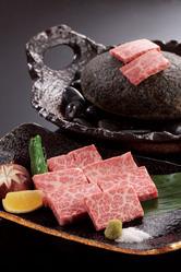 ◆石焼きステーキ◆ 和牛を贅沢に石焼きで!当店の人気メニュー