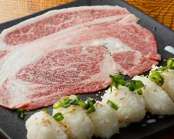 【国産牛リブロース肉寿司】目の前炙り