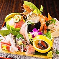 毎日直送の【魚介】【旬野菜】を刺し、炭火焼き、揚げでご提供