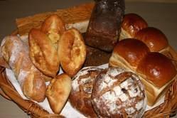 毎朝焼いてる自家製パン ランチタイム食べ放題