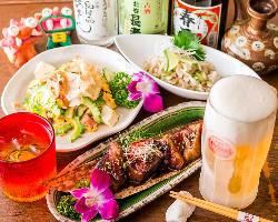 沖縄出身のオーナーが作る本場沖縄食材を使った粟国島料理が満載
