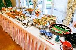 ◇和食と洋食のコラボレーション。貸切はビュッフェスタイルで