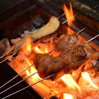 [炉端焼き] 炭火の香りがたまらない炉端焼きメニューもおすすめ
