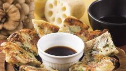 モチモチ食感がたまらない、人気のチヂミはチーズ入りが人気