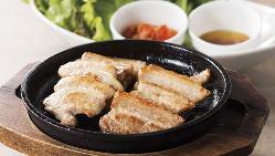 今夜は熱々スンドゥブや韓国料理をお供に楽しい女子会!