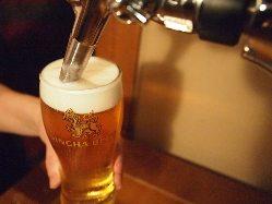 タイのビールといえばシンハー ビンか生がお好みで