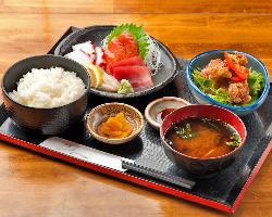 ◆850円ランチ◆ 海鮮料理たっぷり!ご飯おかわり無料♪