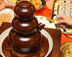 [スイーツも多数♪] 食後のお楽しみ!人気はチョコファウンテン