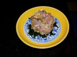 房総の珍味 なめろう 皿もなめたくなる美味しさ520円