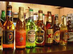 世界各地のビールで乾杯! 大画面テレビでスポーツ観戦・