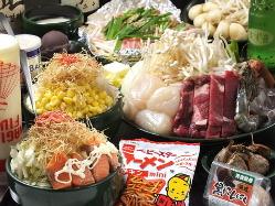 築地市場直送の海鮮類、野菜類など当店自慢の料理の数々♪