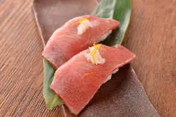 神戸ビーフの炙り握りは是非お召し上がりください。