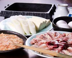 【鳥すきコース】 江戸時代から続く伝統の味が蘇ります。