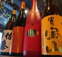 創作和食に合う厳選した日本酒、ワインなど各種ドリンクも充実!