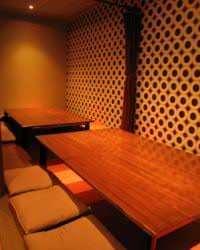 人気の掘りごたつ式個室。 15名様位までご利用可能です!