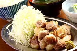ランチに人気 ♪ 『元祖地鶏の塩焼定食』