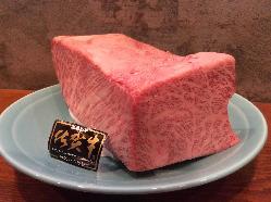 「黒毛和牛のクラシタステーキと天ぷらコース」は、佐賀牛です