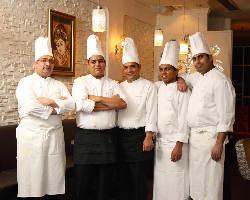 【本場インド人シェフ】 熟練の技で仕上げられる絶品料理を!