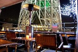 東京スカイツリーの見上げるきれいな夜景にうっとり