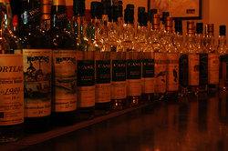 スコッチウイスキー常時100種類以上ご用意しています