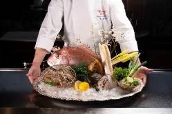 料理長の選んだ旬の食材で作り出す料理の数々をご賞味ください。
