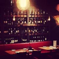 ワインは常時50種類以上、あなたの1本見つけて下さい♪