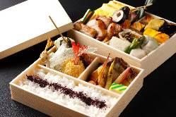 ■お持ち帰りのお弁当 うな重、お惣菜がございます。