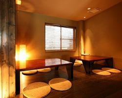 ご宴会に最適な半個室 小上がり席もご用意。(~8名迄)