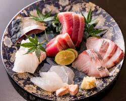 【厳選!新鮮魚介】 四季折々の鮮魚をお楽しみくださいませ