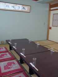 シチュエーションにあわせ 大小様々な個室ございます