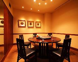 人気の円卓個室等、プライベートなお部屋を3部屋ご用意!