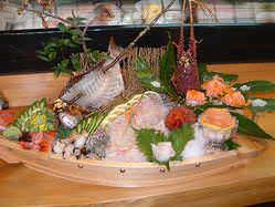 鮮度抜群の魚介類を船盛りに!ご予算、ご希望に応じます