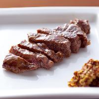 ガッツリお肉も食べられる!ステーキは部位が選べる豊富さ♪