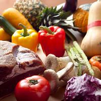 農家直送の八百屋さんより季節ごとにおすすめの野菜を入荷します