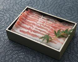 〈0.8ミリの豚肉〉 口の中でふわっととろける食感は絶品