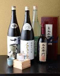 大将自慢の日本酒の品の多さ!