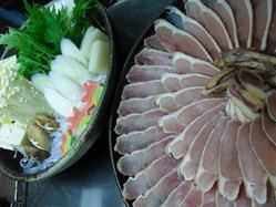 薩摩地鶏のしゃぶ鍋。 地鶏の肉はポン酢にピッタリ!