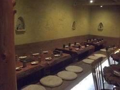 約20名様~28名様迄の宴会も可能な、堀コタツ式のテーブル席