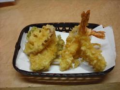天ぷら定食 580円 揚げたての美味しい天ぷらをどうぞ