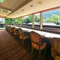 眺めの良いカウンター席や完全個室などさまざまなご利用が可能