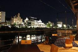 鴨川や南座ライトアップ見渡せる展望テラス席
