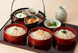 北海道産そば粉の一番粉を使った十割そば。