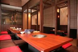 南草津店は全席堀こたつ。45名様席・60~70名様席宴会可能です。
