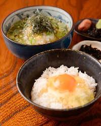〆のご飯ものにも自信があります!京赤地鶏の濃厚卵かけご飯など