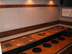 宴会に最適な全長5mの長テーブル(要予約)