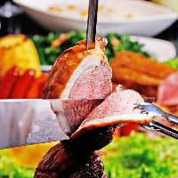 《ステーキ》 パーティーではジューシーな肉料理もご用意