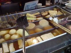 夏も冬も定番の関東煮メニュー お昼はお得な4品セット有り