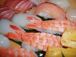 土日祝ディナータイムには、職人の握り寿司も登場