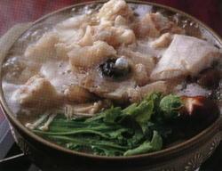 当店自慢の九絵鍋。自家製ポン酢でお召し上がりください。