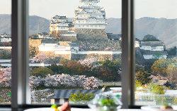 店内からは世界遺産・姫路城が一望できます。